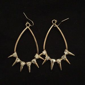 Jewelry - Gold subtle spike and sparkle earrings